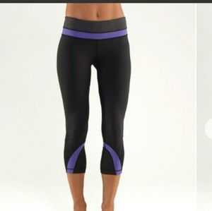 Lululemon Run Crop Black Purple and Gray Band 4